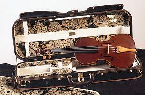DIMITRI MUSAFIA - Master maker of violin and viola cases